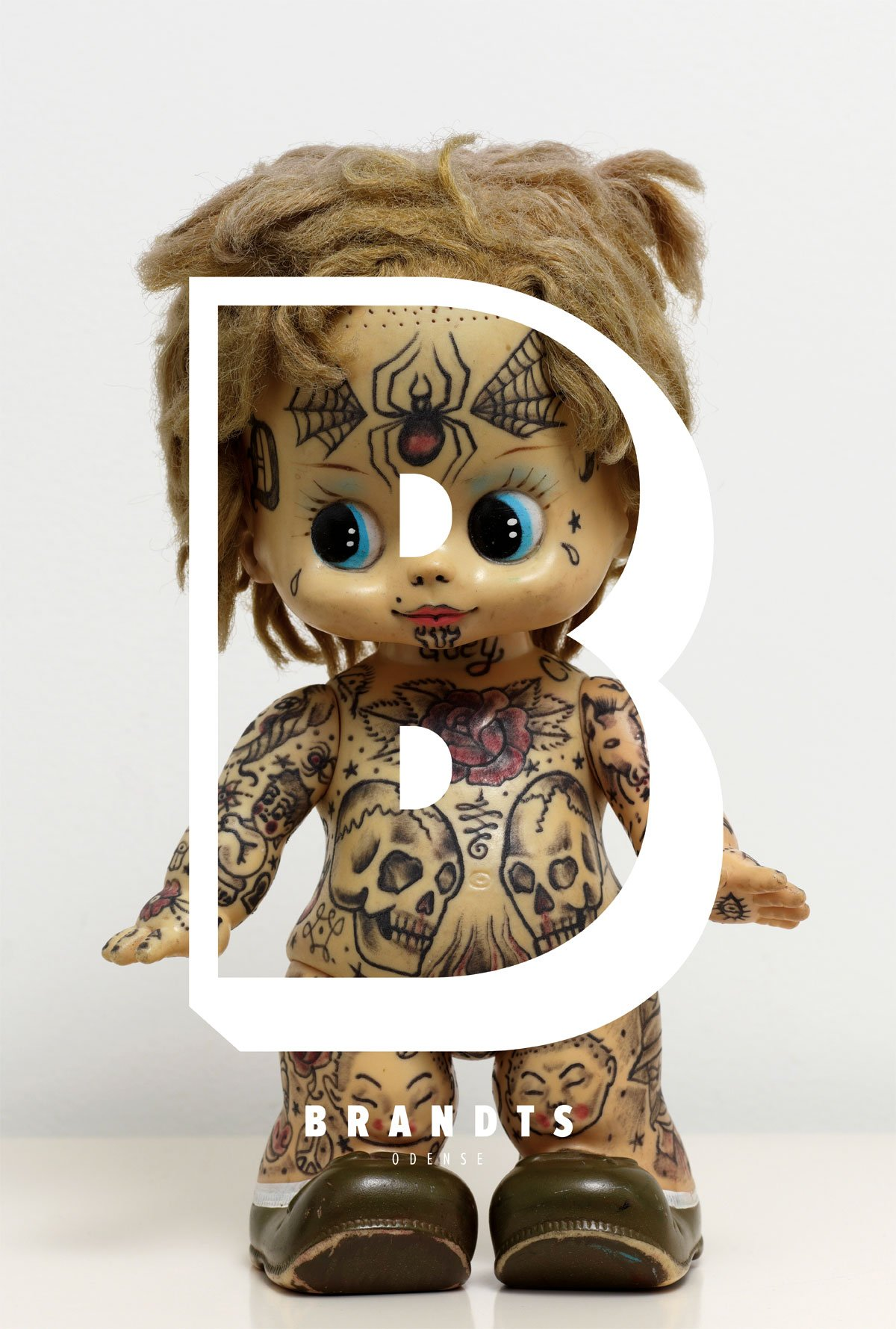 stupidstudio_case_rebranding_Brandts_museum_tattoo_doll